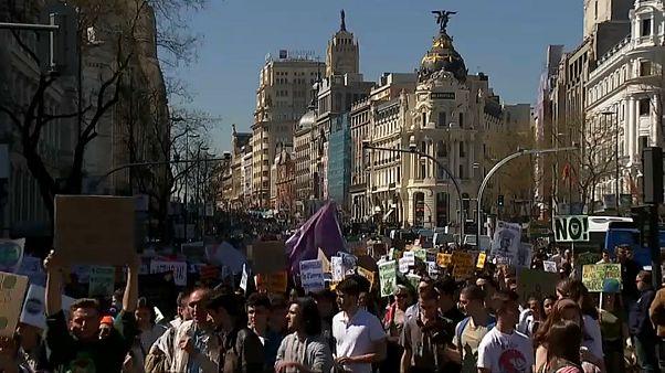 La juventud española sale a defender el clima