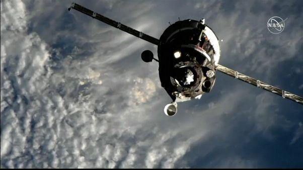 Soyuz MS 12 uzay aracı ve içindeki 3 astronot Uluslararası Uzay İstasyonu'na başarıyla ulaştı