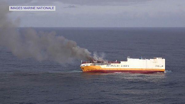 Catástrofe ecológica frente a la costa francesa