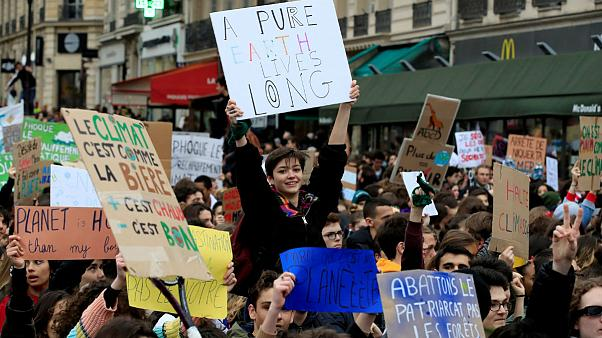 راهپیمایی عظیم دانشآموزان در شهرهای مختلف جهان برای آب و هوا