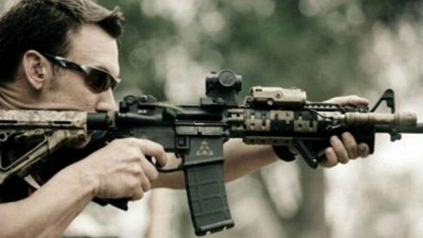 بندقية ايه-آر 15 التي استخدمها سفاح نيوزيلندا هي السلاح المفضل لمرتكبي جرائم القتل الجماعي