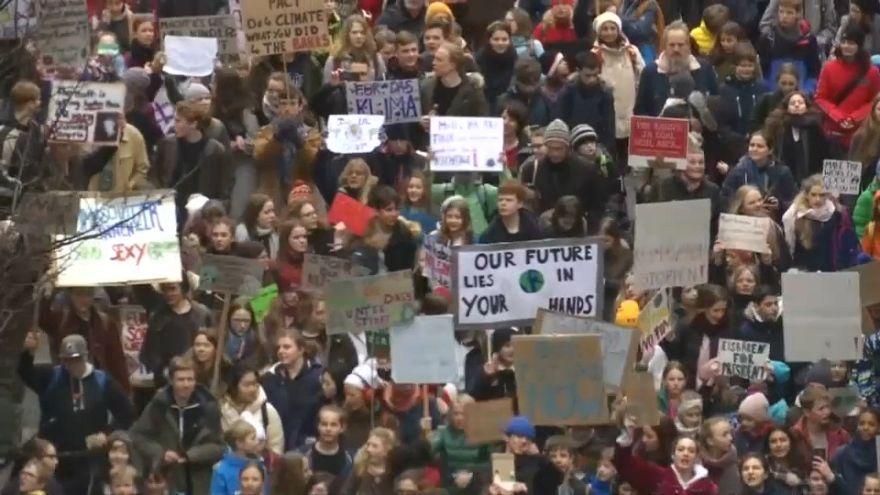 Gegen den Klimawandel: Schüler in Europa demonstrieren