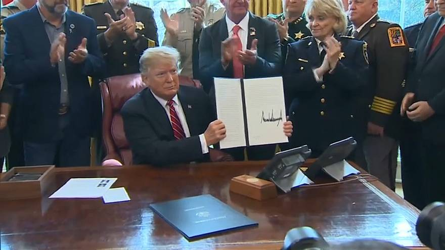 Trump vetoes attempt to block Mexico border wall funding plan