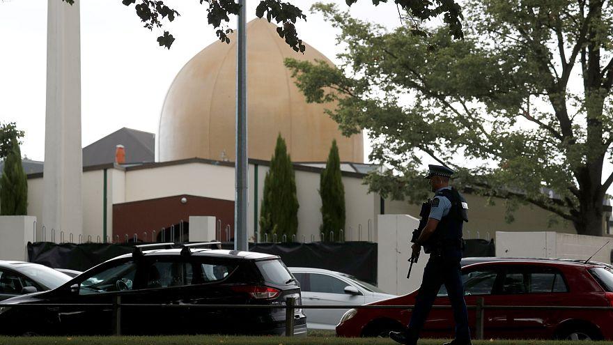 Müslümanların, sinagog saldırısı sonrası yardım ettiği mağdurlar Yeni Zelanda için yardım topluyor