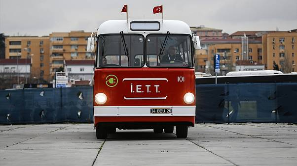 """Türkiye'nin ilk yerli troleybüsü """"Tosun"""" elektrikli otobüse dönüştü, yeniden yollara düşüyor"""