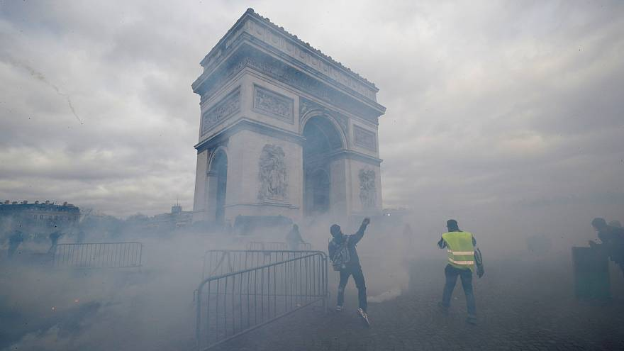 France to deploy military anti-terror force at Gilets Jaunes march