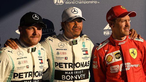 Hamilton logra la primera pole del año