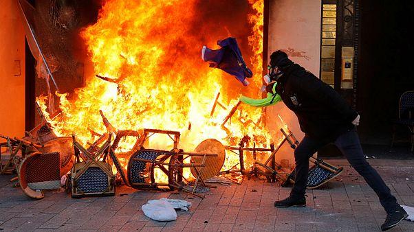 راهپیمایی هجدهم جلیقهزردها؛ شانزهلیزه در آتش اعتراض سوخت