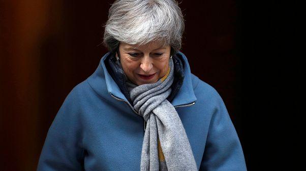 ماي تحذر من تأجيل طويل إذا فشل البرلمان بإقرار صفقة البريكست
