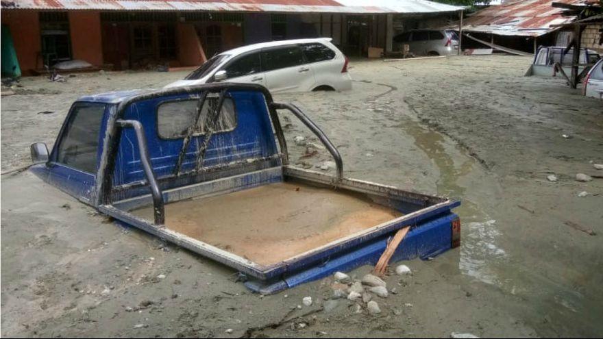 مرگ دهها نفر در اندونزی به دنبال وقوع سیل