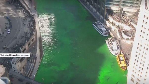 Aziz Patrick gününde Chicago Nehri yeşile boyandı