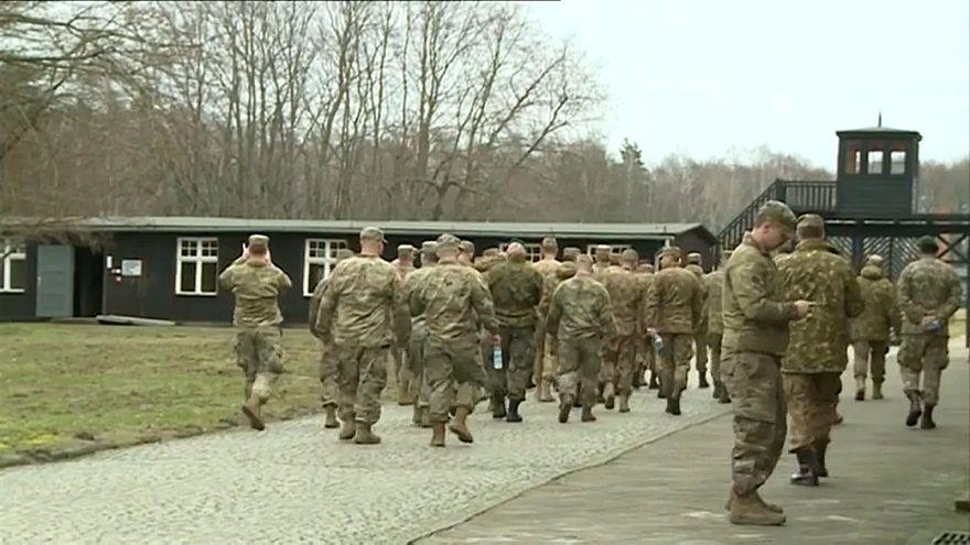 Солдаты НАТО в концлагере