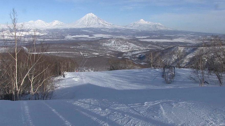 أرض البراكين.. شبه جزيرة في روسيا تضم أكبر عدد براكين نشطة في العالم