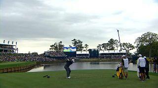 Golf, Players Championship: Jon Rahm balza al comando