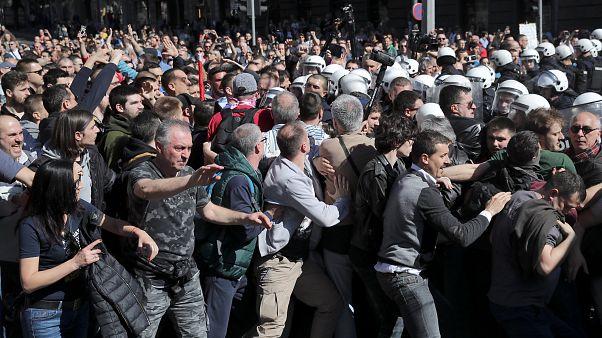 Serbie : Manifestations pour plus de liberté de la presse