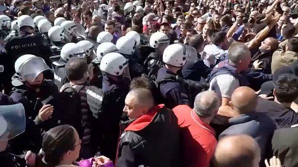 Proteste für mehr Medienfreiheit in Serbien