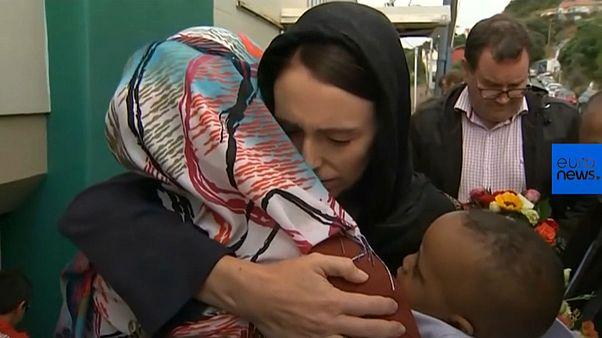 حضور نخستوزیر نیوزیلند در مراسم بزرگداشت قربانیان حمله تروریستی