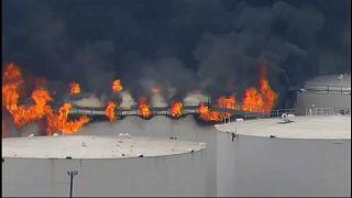 شاهد: حريق في محطة للبتروكيماويات بهيوستن في تكساس
