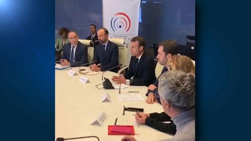 Macron pensa di vietare gli Champs-Elysées ai gilet gialli