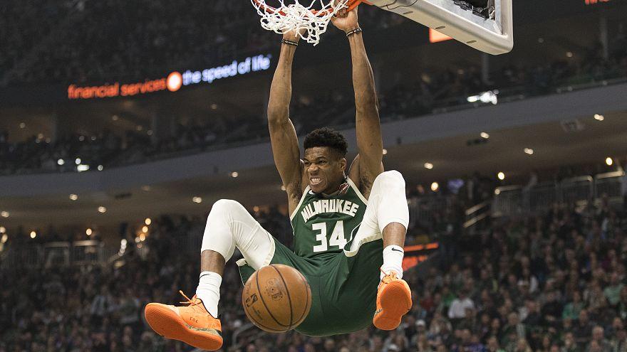 NBA: Ρεκόρ καριέρας με 52 πόντους ο Greek Freak