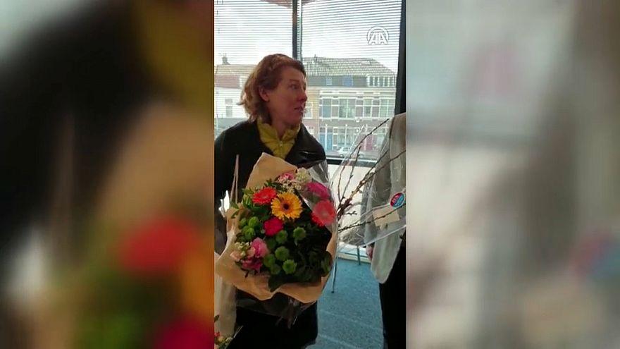 Yeni Zelanda'da kadın camiye gelerek özür diledi