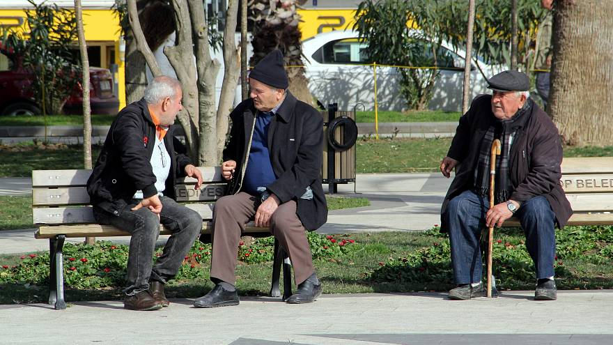 Türkiye hızla yaşlanıyor yaşlı nüfus yüzde 16 arttı