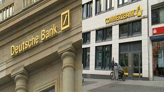 """Mehr als 20.000 Jobs im Feuer"" - Verdi gegen Bankenfusion"