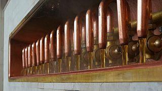 Lange Grenzschlangen sind nicht gut für unabgefülltes Frischbier in Tanks