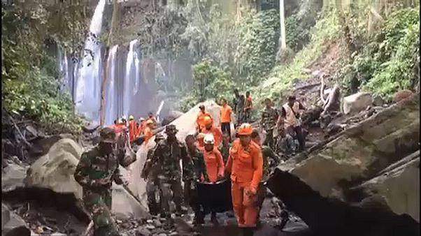 Földcsuszamlás Lombokon, 2 halott