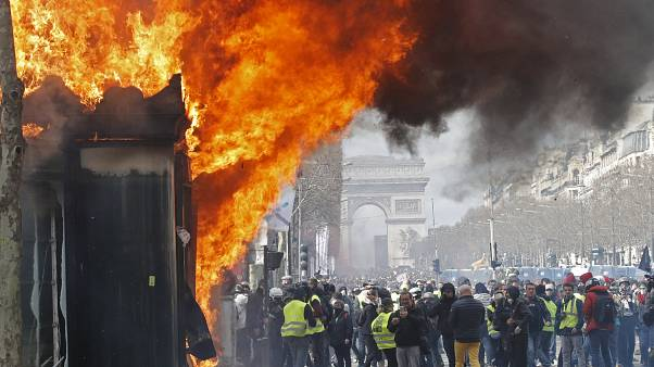 French government sacks Paris's Police chief, threatens to ban 'yellow vest' protests
