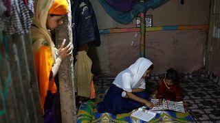 Bangladeş'in okuldan attığı Arakanlı Yasmin