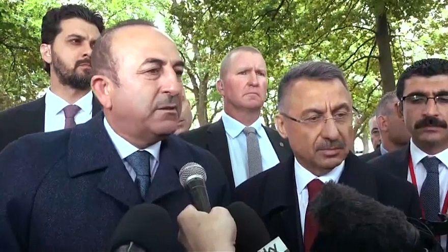 وزير الخارجية التركي في زيارة لجرحى حادثة إطلاق النار في مسجد بنيوزيلند