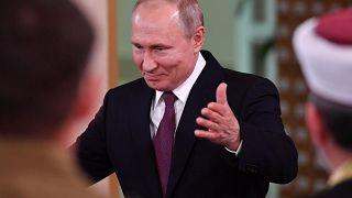 Putin firma leyes polémicas sobre las noticias falsas