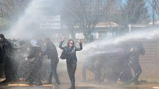 Разгон демонстрации в Диярбакыре