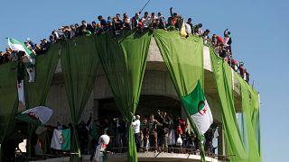 مخالفان الجزایری خواستار کناره گیری بوتفلیقه از قدرت وعدم مداخله ارتش شدند