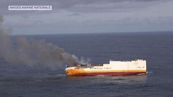 Incógnitas e incongruencias en el derrame de fuel del buque 'Grande America'