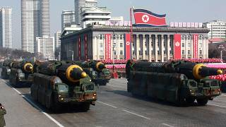 كوريا الشمالية تريد تخفيف العقوبات وأمريكا تتمسك بنزع النووي