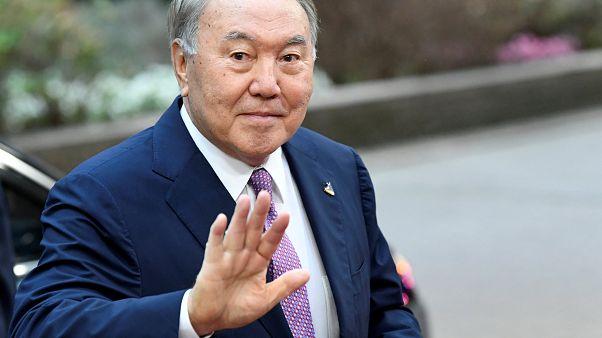 رئيس كازاخستان نزارباييف يعلن استقالته بعد ثلاثة عقود في السلطة