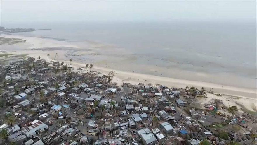 مشاهد من الدمار الذي حصل في موزمبيق نتيجة الإعصار
