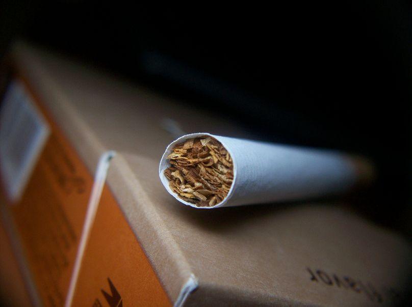 Cigarrillo - Cigarette
