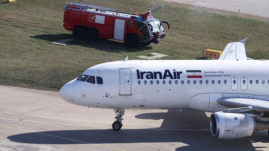 Iran Air'e ait bir yolcu uçağı