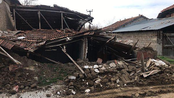 Video: Denizli'de 5,5 büyüklüğünde deprem meydana geldi