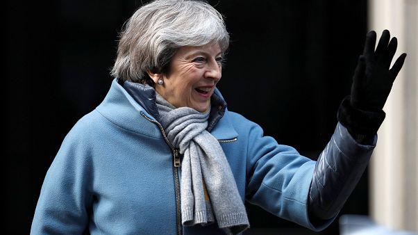 Brexit: Η πρωθυπουργός Μέι θα ζητήσει από την ΕΕ μικρή αναβολή