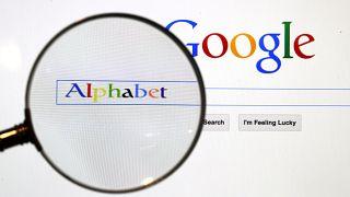 """المفوضية الأوروبية تغرّم """"غوغل"""" بـ1.49 مليار يورو بسبب الإعلانات"""