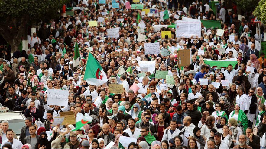 Image result for تظاهرات بزرگ در الجزایر؛ معترضان رئیس جمهوری موقت را هم نمی خواهند