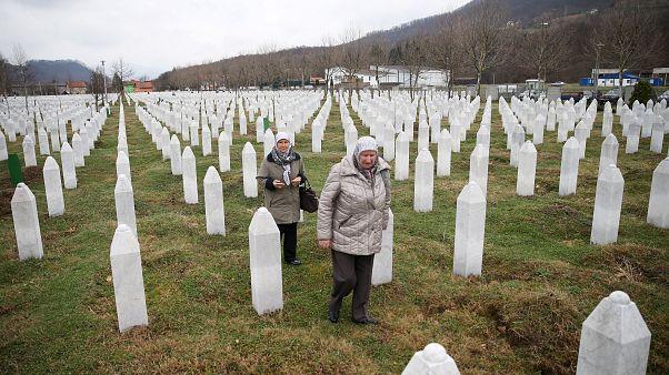 Kriegsverbrechen: Lebenslange Haft für Radovan Karadžić (73)