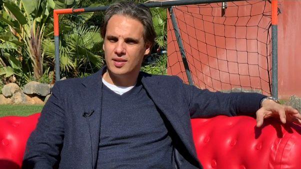 #EUroadtrip: Auf dem roten Sofa mit Fußballstar Nuno Gomes