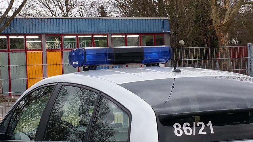 Tödliche Messerstecherei in Leverkusen: 3 Verdächtige geflüchtet