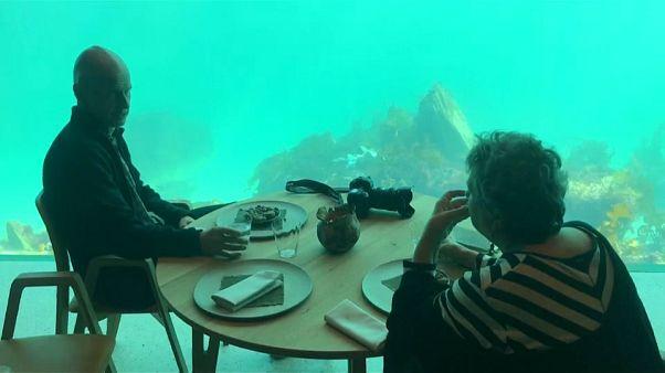Quantas vezes já comeu debaixo de água?