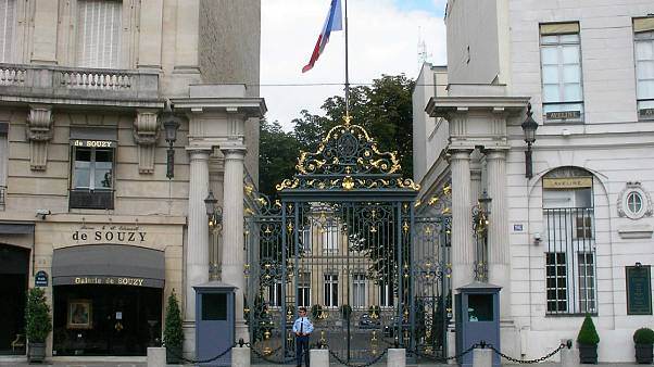 وزیر کشور فرانسه خواهان انحلال چهار انجمن مروج «جهاد مسلحانه» شد